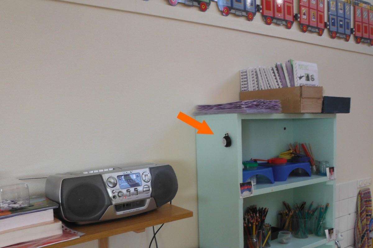 Dosimètre radon installé d'une classe d'école